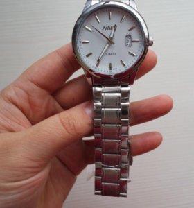 Мужские часы с календарем
