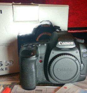 Фотоаппарат Canon 5D mark 2
