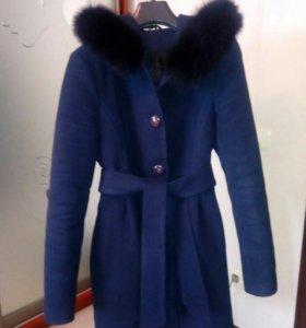 Пальто демисезон. 42-44.