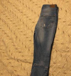 джинсы Bershka 28