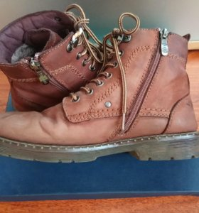Ботинки зимние 42 размер