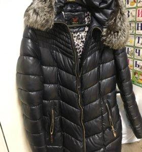 Зимняя куртка ,пальто в идеальном состоянии