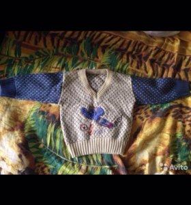 На малыша свитер
