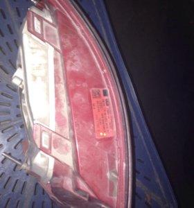Задний фонарь на ауди 6с6 б/у стёкл немного трещин