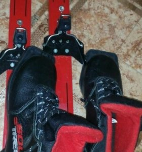 Лыжи ,ботинки,палки