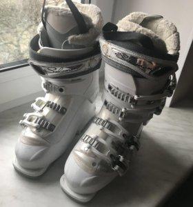 Горнолыжные ботинки Salomon Charm 7