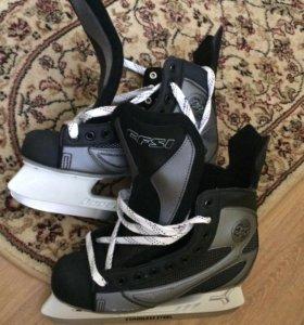 Коньки хоккейные EFSI 770