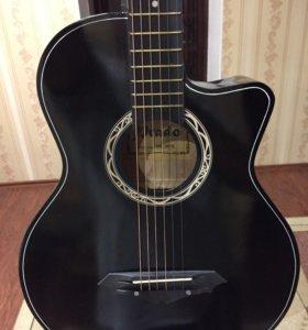 Новая Гитара с чехлом 2 цвета