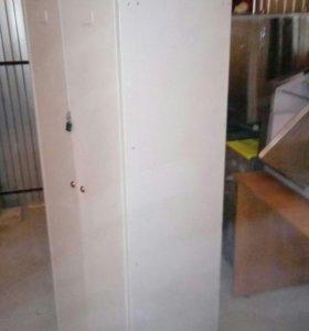 Шкаф металлический для переодевания персонала