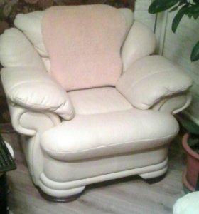 Кожаные кресла цена за  (2шт)