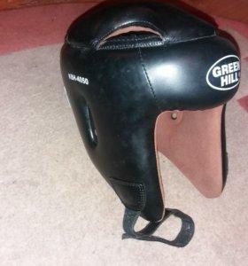 Защита на ноги и шлем