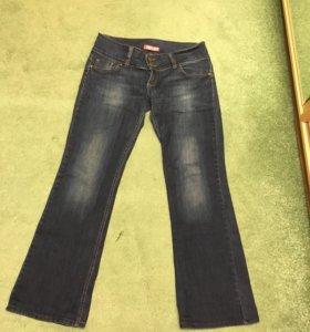 Продаю фирменные джинсы дискваред