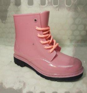 НОВЫЕ!!!Резиновые ботинки