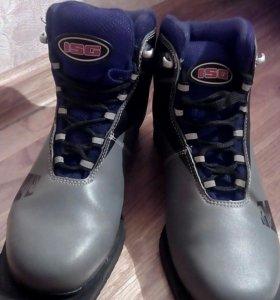 Ботинки лыжные, 36 размер