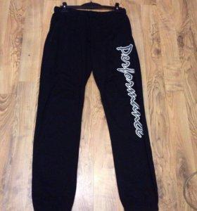 Продам фирменную тёплые брюки оригинал 54,56