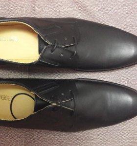 Ботинки мужские 43р новые