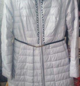 Демисезонное балоневое пальто