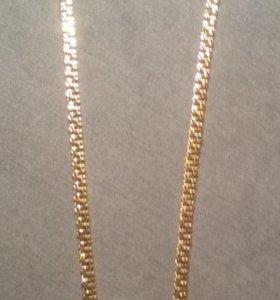 Продам золотую цепочку с крестиком.