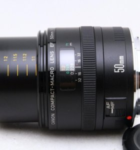Canon EF 50 mm f/2.5 Compact Macro