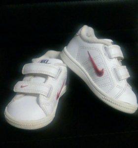 Детские кроссовочки размер 19