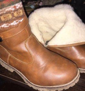 Сапоги зимние-500р,ботинки-400р,кроссы 2 пары-1000