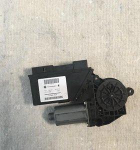 Мотор стеклоподъемника водителя для WV Туарег