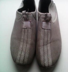 Спортивная обувь р.43