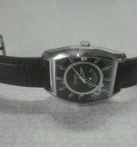 Часы механические Fossil FS-4132