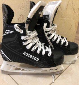 Коньки хоккейные Bauer р. 35,