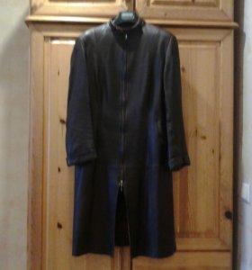 Пальто кожаное размер 48-50