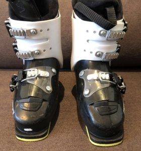 Горнолыжные ботинки atomic waymaker jr3