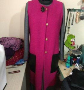 Жилет(ткань букле)Платье прямое