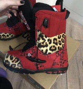 Ботинки новые сноубордические Burton 38 р