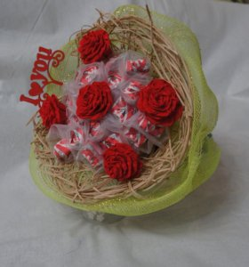 Букет из конфет и роз!!