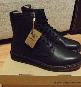 Демисезонные кожаные ботинки Dr.Martens