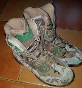 Демисезонные мужские ботинки 43р новые