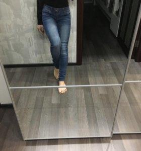 Классные джинсы на низкой талии