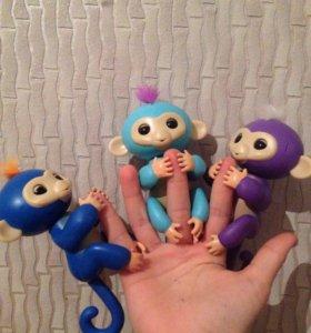 Fingerlings обезьянка интерактивная