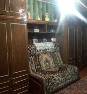 Стенка с встроенным диваном