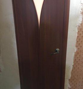 Дверь новая, в упаковке! Полный комплект!