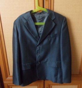 Пиджаки,резиновые сапоги,шапка зимняя,куртка и др.