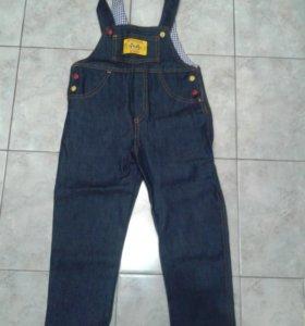 Комбинезон джинсовый на 5-6 лет