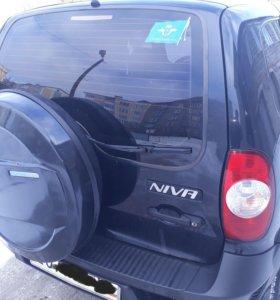 Chevrolet Niva, 2011
