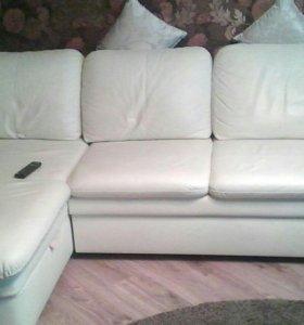 Угловой кожаный диван  Брайтон идеал состояние