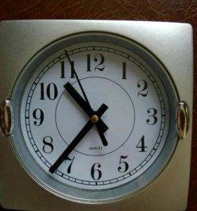 Часы настенные 20*20см