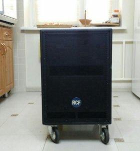 RCF ART 705-AS Активный субвуфер 800 Вт
