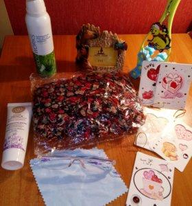 Шарф, перчатки одноразовые,прописи,вазочки и тд