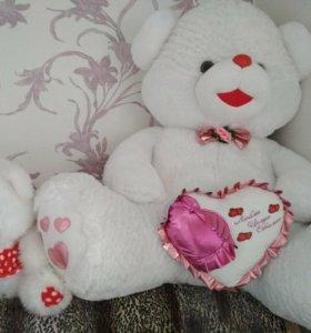 Плюшевый мишка отличный подарок ко дню влюбл