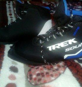 Лыжные ботинки, размер 36