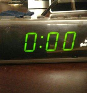 Часы сетевые gastar